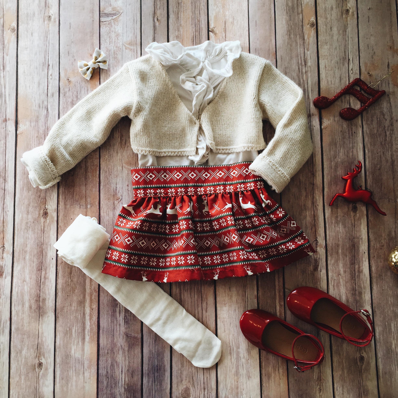 toddler girl christmas style // www.amonkeyandhismama.com