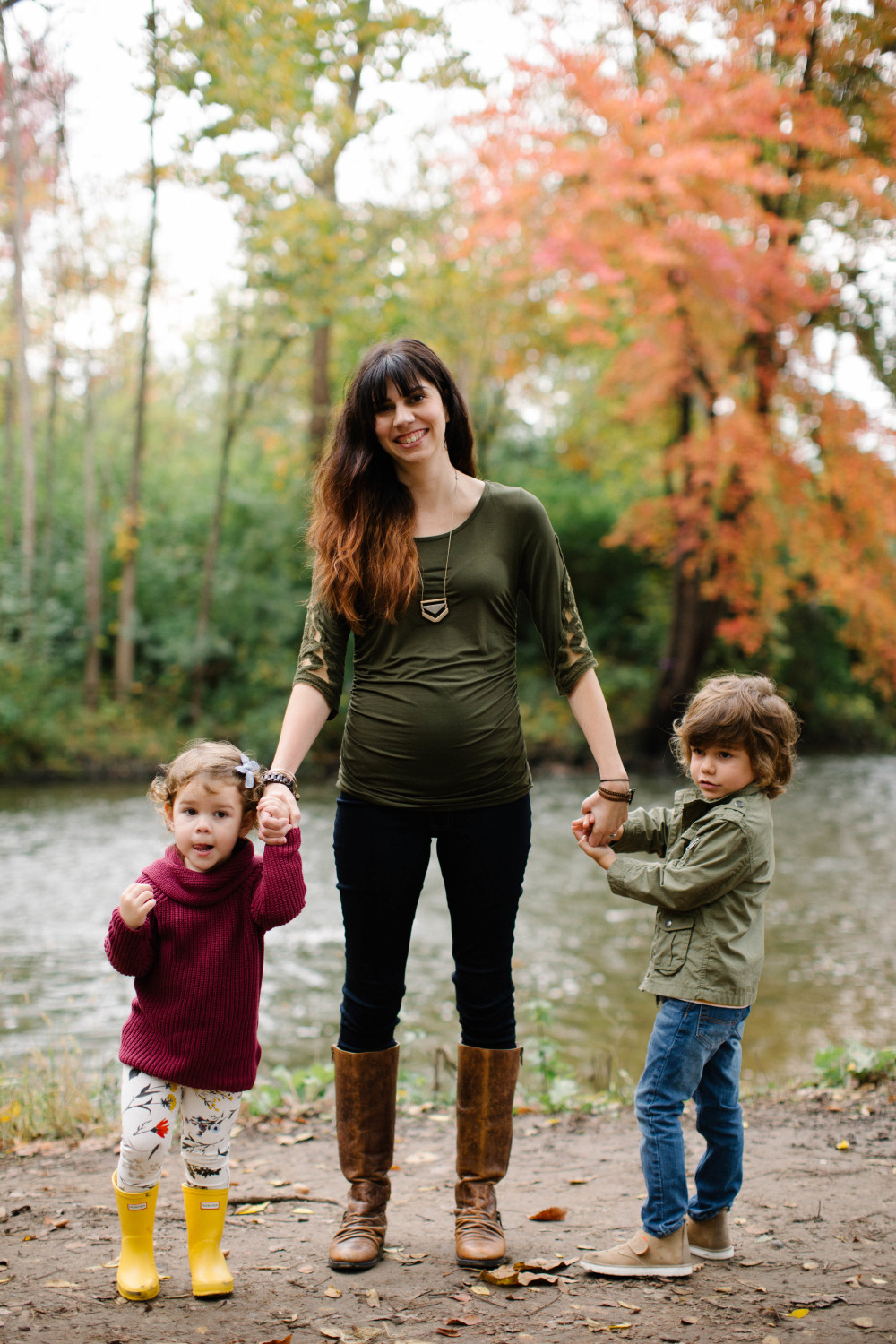 casual maternity style // a monkey and his mama