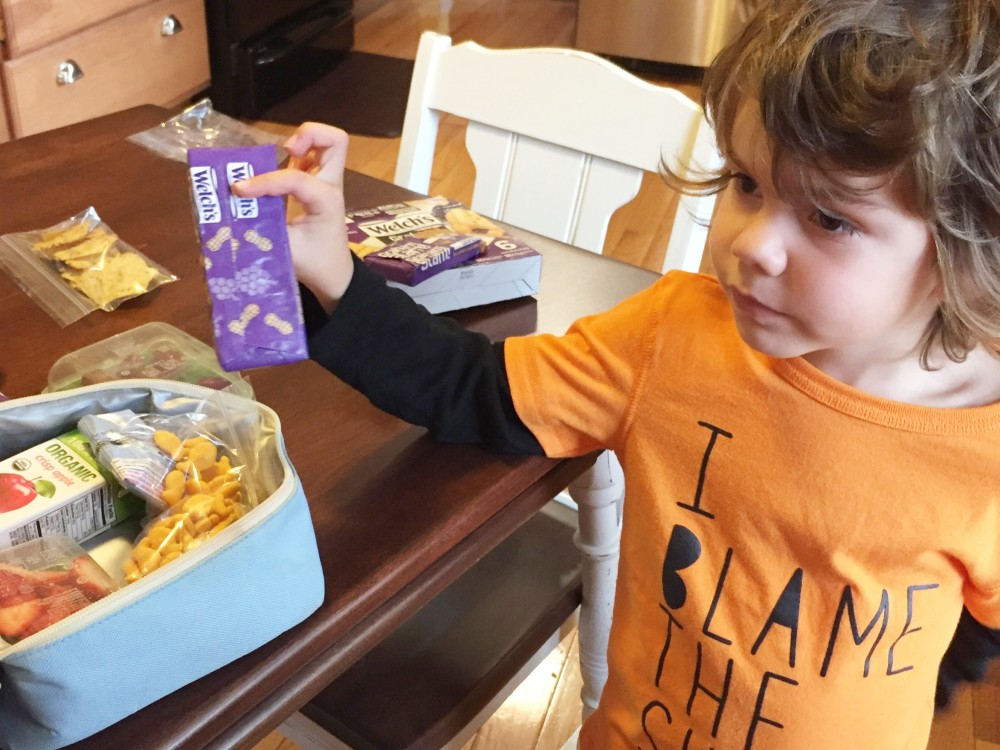 DIY Lunch Packing Station for preschoolers with Welch's Graham Slam! // a monkey and his mama
