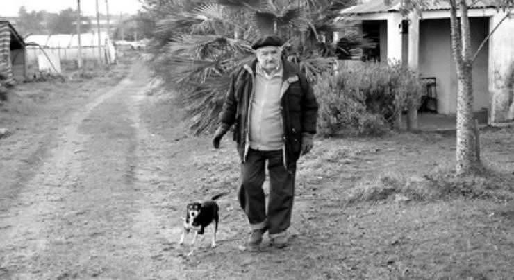 José e la cagnolina (Foto Facebook)