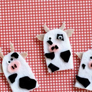 https://kansaslivingmagazine.com/articles/2016/05/12/cow-finger-puppets