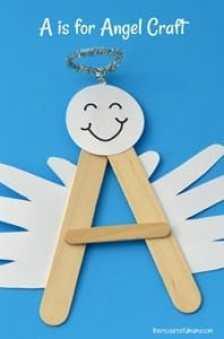 angel kid crafts - christmas kid craft - arts and crafts activities - amorecraftylife.com #kidscraft #craftsforkids #christmas #preschool