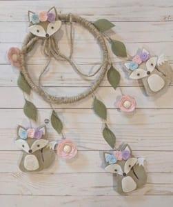 girl mobile nursery ideas- girl nursery theme - flowers nursery - amorecraftylife.com #baby #nursery #babygift #babygirl