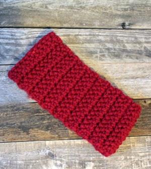 Crochet Ear Warmer Pattern -crochet headband pattern- pdf - amorecraftylife.com #crochet #crochetpattern #freecrochetpattern