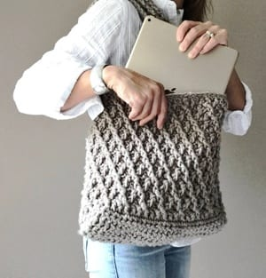 bag crochet patterns - handbag crochet pattern- purse tote- crochet pattern pdf - amorecraftylife.com #crochet #crochetpattern