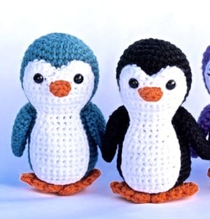 THNLife - Chilly the Penguin Crochet Pattern | Jennifer Percival | 312x300