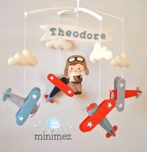airplane nursery idea - boy nursery theme - amorecraftylife.com #baby #nursery #babygift