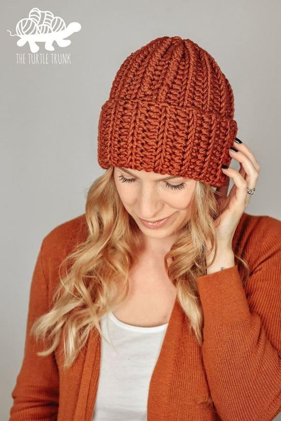 easy breezy bulky hat crochet patterns- winter hat crochet pattern- amorecraftylife.com #crochet #crochetpattern #diy
