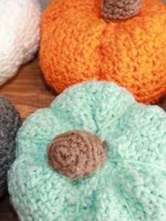 pumpkin crochet patterns- fall crochet pattern- amorecraftylife.com #crochet #crochetpattern #diy #freecrochetpattern