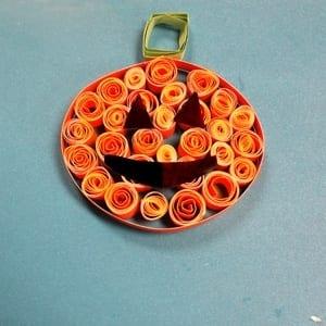 paper roll jack-o-lantern kid craft - halloween kid craft -amorecraftylife.com #kidscraft #craftsforkids #preschool