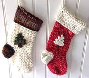 crochet Christmas patterns - winter - home decor- amorecraftylife.com #crochet #freecrochetpattern #crochetpattern #diy #christmas