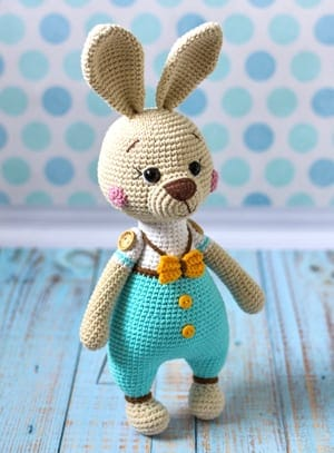 HOW TO CROCHET AN EASTER BUNNY PART 1/ BUNNY HEAD AND ARMS ... | 407x300