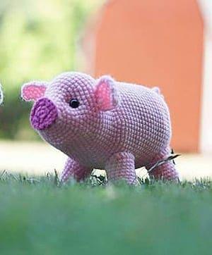 crochet pig pattern- crochet pattern pdf - amigurumi amorecraftylife.com #crochet #crochetpattern