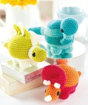 Amirugumi Dinosaur Free Crochet Pattern | 355x300