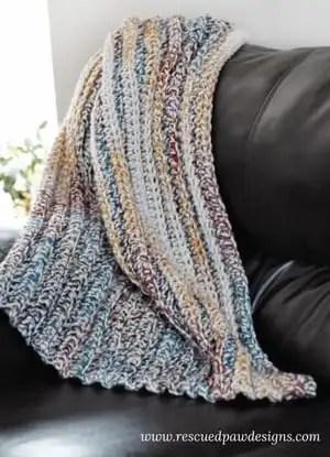 chunky crochet blanket patterns - crochet throw pattern- crochet blanket pattern - baby blanket - free crochet blanket - bernat blanket yarn amorecraftylife.com #crochet #crochetpattern #freecrochetpattern #crochetblanket