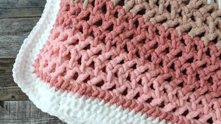 herringbone stripe baby blanket crochet pattern - amorecraftylife.com -bernat blanket yarn baby blanket - baby afghan - free printable crochet pattern #baby #crochet #crochetpattern #freecrochetpattern