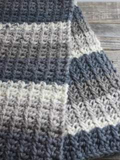 modern chunky crochet blanket pattern - amorecraftylife.com - baby afghan - free printable crochet pattern #baby #crochet #crochetpattern #freecrochetpattern