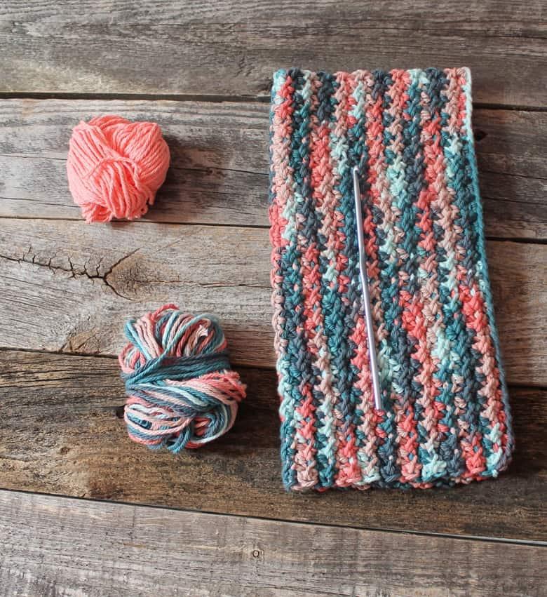 free printable crunch stitch crochet dishcloth pattern -amorecraftylife.com #crochet #crochetpattern #diy #freecrochetpattern