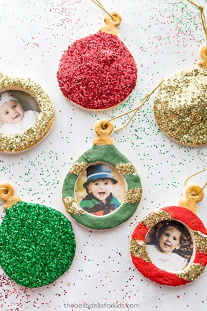 Christmas salt dough ornaments -amorecraftylife.com #kidscraft #craftsforkids #preschool