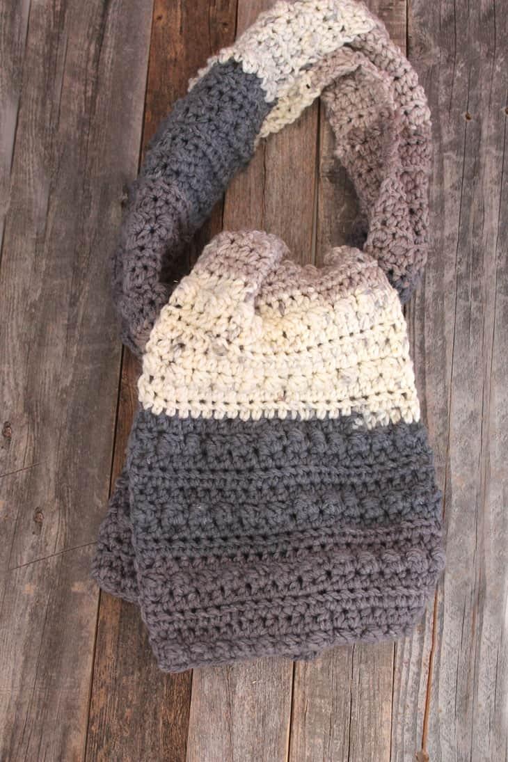 free berry chunky scarf crochet pattern -super bulky yarn gauge 6- easy wide scarf pattern - amorecraftylife.com #crochet #crochetpattern #freecrochetpattern