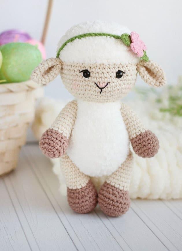 lamb crochet pattern- easter crochet pattern pdf -sheep amigurumi animal crochet pattern - amorecraftylife.com #crochet #crochetpattern
