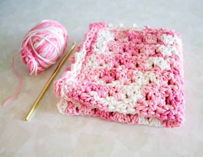 easy primrose stitch crochet dishcloth pattern - free printable pdf - amorecraftylife.com #crochet #crochetpattern #freecrochetpattern