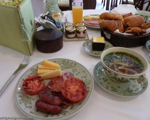 desayuno en le meridien angkor