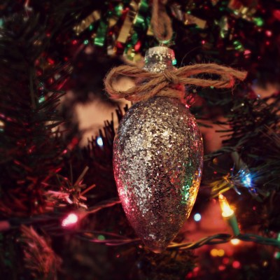 Toddler-Friendly Glitter Ornament Craft