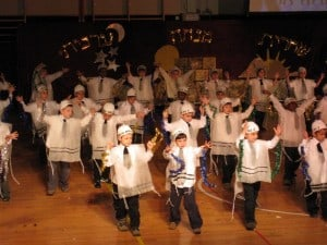 First grade Breslov dance