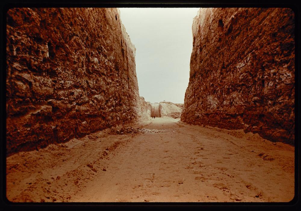 Double Negative, Michael Heizer [1970]