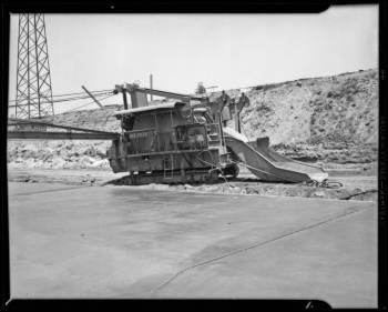 Concrete mixer in the LA River, 1940
