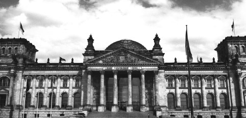 reichstag berlin black and white