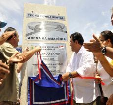 Eduardo Braga no lançamento da pedra fundamental da Arena da Amazônia. (Foto: Arquivo/Divulgação)