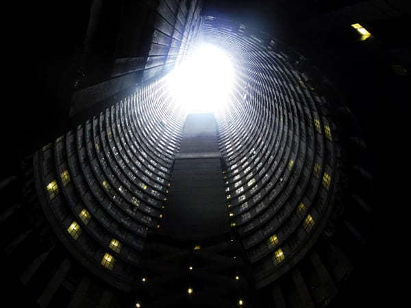 The inner courtyard of the Ponte City tower in Johannesburg. (Credit Image: © Julia Naue/DPA via ZUMA Press)