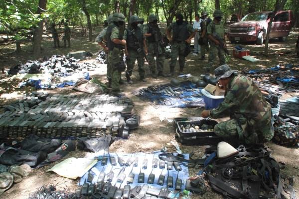Mexican Army Ambushes A Camp Of Los Zetas