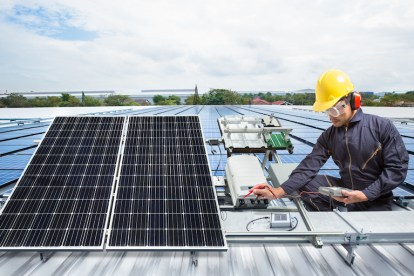 new solar regulations requiring only electricians to install solar panels squashed by Queensland COurt