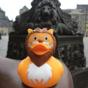 Lion Rubber Duck Damsquare