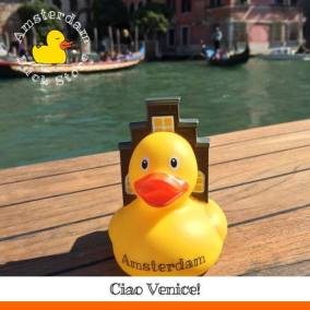 Amsterdam Duck visiting family in beautiful Venice @ Venice Duck Store