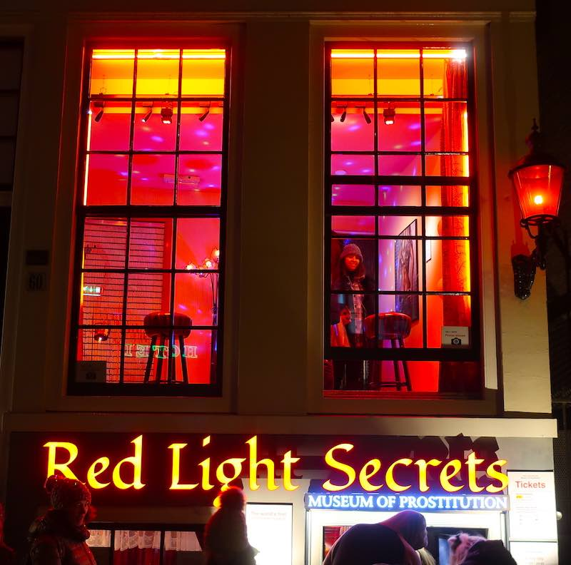 red light district hours