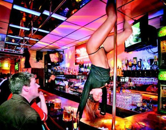 Stripclub in Red Light District La Vie en Proost