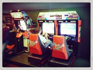 The Ton Ton Club is an arcade game bar in the Red Light District.