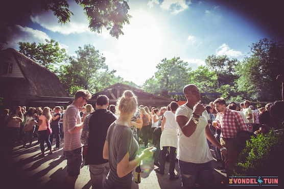 10 tips hot summer days in Amsterdam. Vondel Garden in Amsterdam's Vondelpark