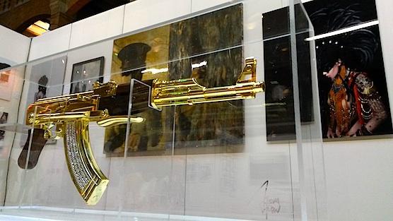 Art in Red Light: A golden AK-47