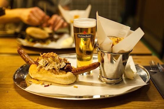 Restaurant Burger Fabriek Hotdog Amsterdam