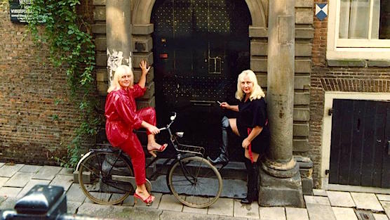 Bachelorette Party Amsterdam - Meet & greet the famous prostitute twins; Martine & Louise Fokkens.