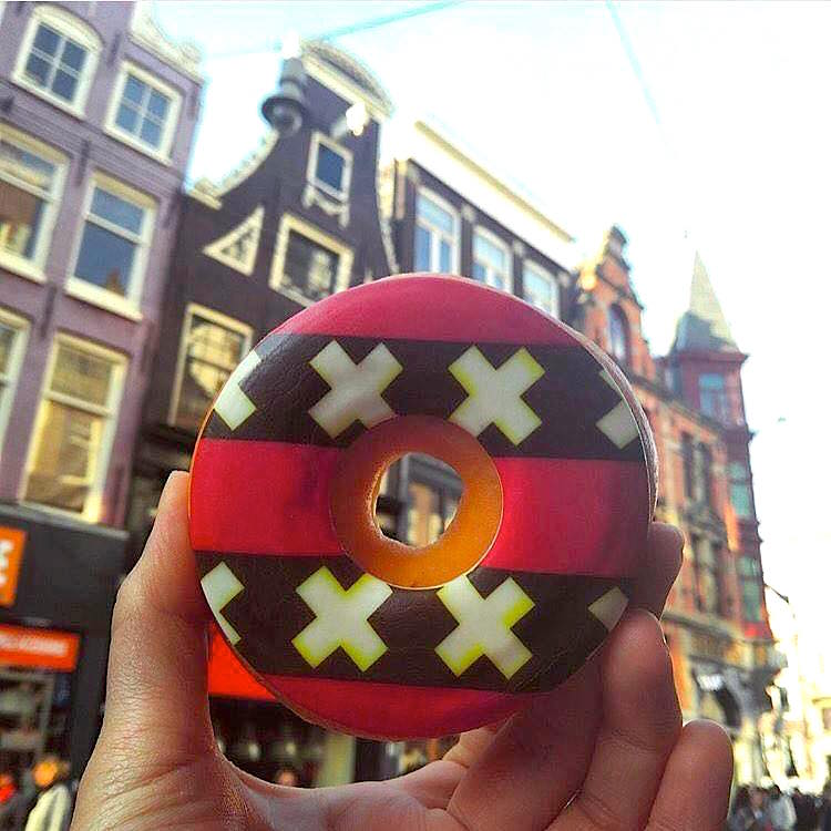 Dunkin Donuts Amsterdam Red Light District Warmoesstraat
