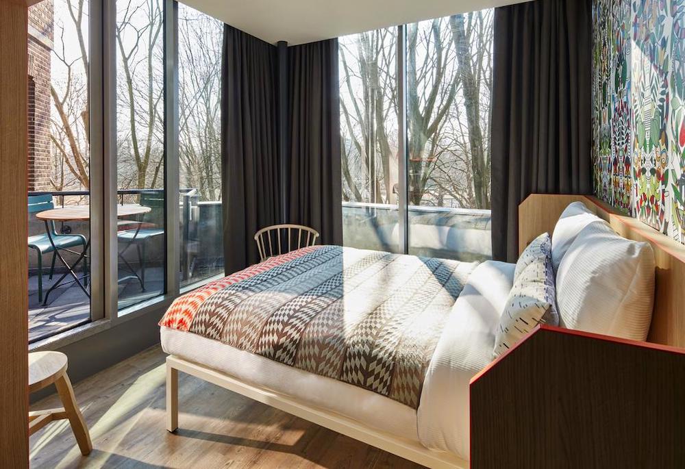 affordable hotel amsterdam