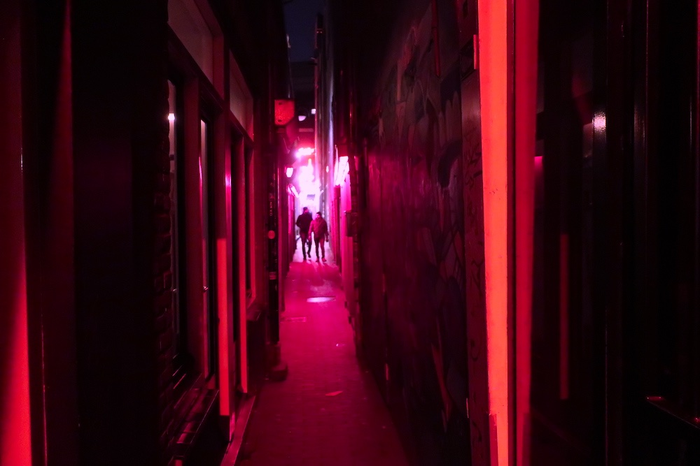 Must see in Amsterdam Red Light District alleys