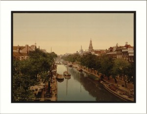 Image: Klovenier Burgwal (canal) Amsterdam Holland
