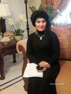 Hajjah Uwi owner of Nura Boutique  Beautiful and Elegant Muslima Clothing uwi